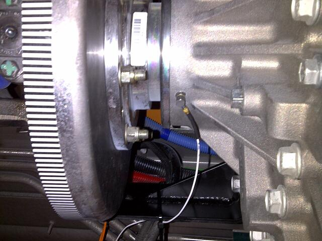 Accelerometer on the transmission tailshaft housing helps determine the source of the vibration