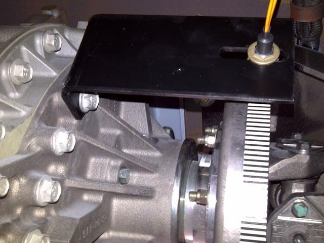 Laser optical sensor measures driveshaft torsional vibration